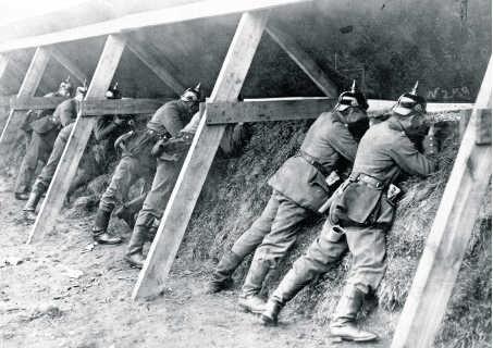 Duitse soldaten in loopgraven in België tijdens de Eerste Wereldoorlog.