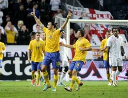 Ibrahimovic weergaloos tegen Engeland met wereldgoal