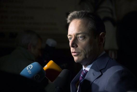 De Wever: 'Voor het eerst drie partijen die samen meerderheid willen vormen'
