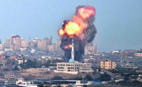 Een Israëlische luchtaanval in de Gazastrook heeft doel getroffen.