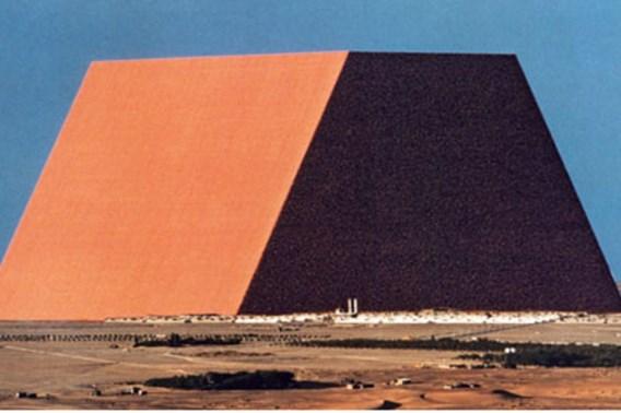 Christo gaat grootste piramide ter wereld bouwen