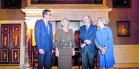 Nolens ontvangt Prijs der Nederlandse Letteren