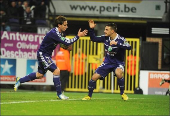 Ref speelt hoofdrol in zege Anderlecht