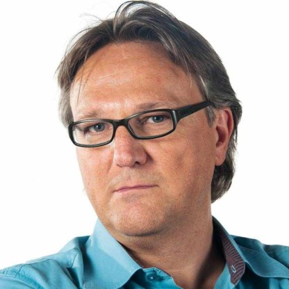 Joël De Ceulaer wint Het Groot Dictee der Mediataal
