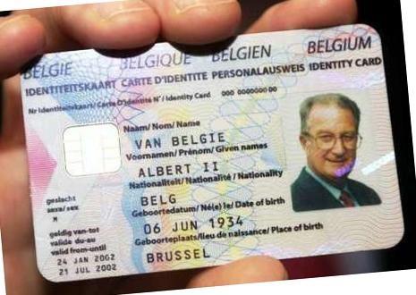 De mogelijkheden van de elektronische identiteitskaart worden amper benut, maar we betalen er wel almaar meer voor.