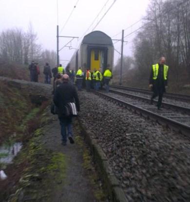 Rijdende trein verliest drie wagons in Sint-Lievens-Houtem
