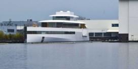 Jacht Steve Jobs mag haven Amsterdam verlaten