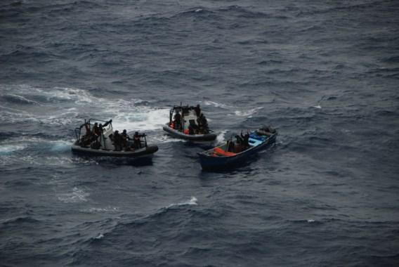 Fregat Louise-Marie vangt weer vermoedelijke piraten
