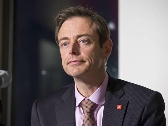De Wever wil mening van andere partijen horen