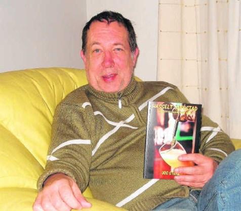 <P>Jos Sterk brengt binnenkort ook nog een tweede en een derde boek uit over de Hasseltse cafés.</P>