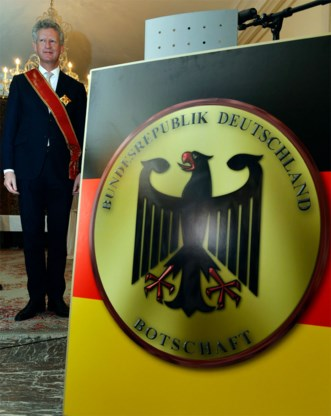 Duitse ambassadeur eert De Crem als 'perfecte Europeaan'
