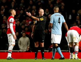 VIDEO. Kompany pakt discutabele rode kaart tegen Arsenal