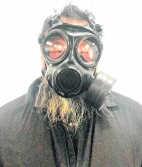 <P>Ai Wei Wei protesteerde gisteren tegen de vervuiling.</P>