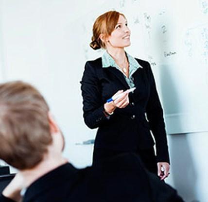 Waarom een zakenvrouw minder bekwaam is dan een zakenman