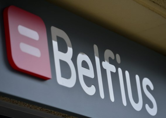 Belfius wil personeel 5 procent laten inleveren