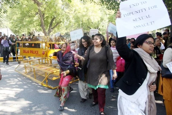 Zesjarig meisje verkracht en gedumpt in New Delhi