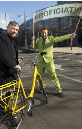 Minister Vandeurzen even op de fiets. 'Mijn BMI bedraagt 26,8.'