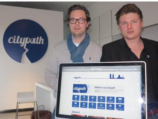Bernard Van der Elst (links) en Jonas Haemerlinck: 'Je kunt Gent verkennen met drie muiskliks.'