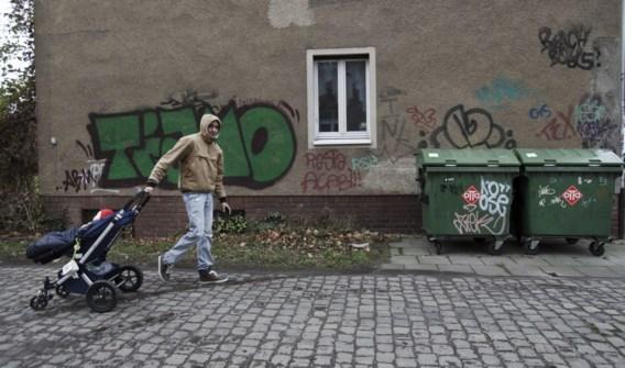 De hervormingen van de arbeidsmarkt door Gerhard Schröder hebben de deur wagenwijd opengezet naar allerlei vormen van onderbetaald werk.