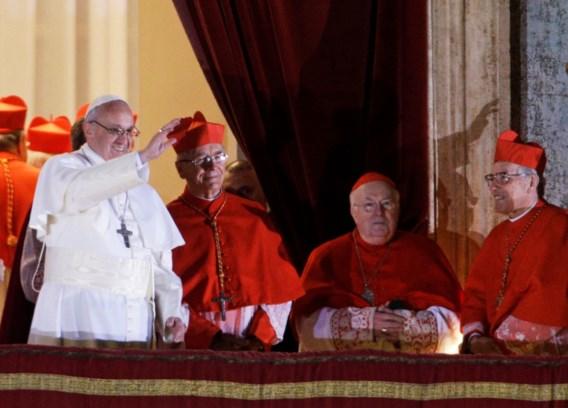 Kardinaal Danneels hoopt dat paus kerk hervormt