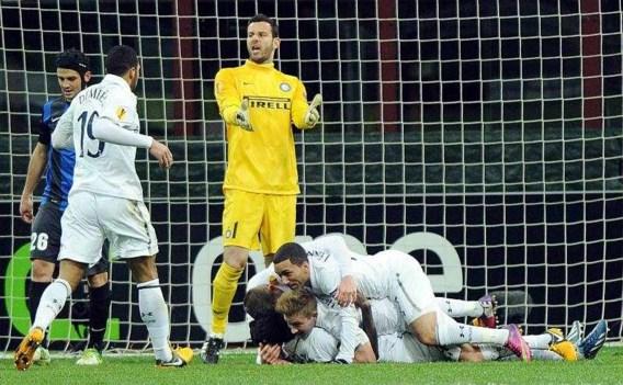 EUROPA LEAGUE. Tottenham bibberend door, sublieme Hazard kwalificeert zich met Chelsea