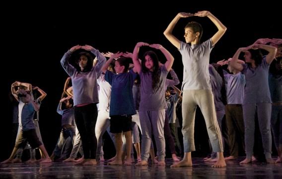 'De bezetting leidt tot geestelijke en fysieke problemen', zegt Nadia Arouri. Daarom richtte ze een dansproject op voor honderden kinderen op de Westelijke Jordaanoever.
