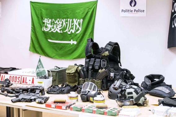 Hakim Benladghem had in zijn appartement een wapenarsenaal om een klein oorlogje mee te beginnen.