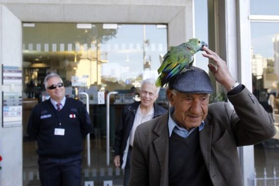Stormloop blijft uit nu Cypriotische banken opnieuw de deuren openen