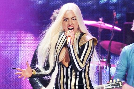 Lady Gaga viert verjaardag met theekransje