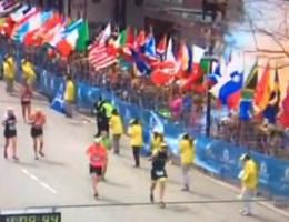 Beelden van explosies bij marathon van Boston