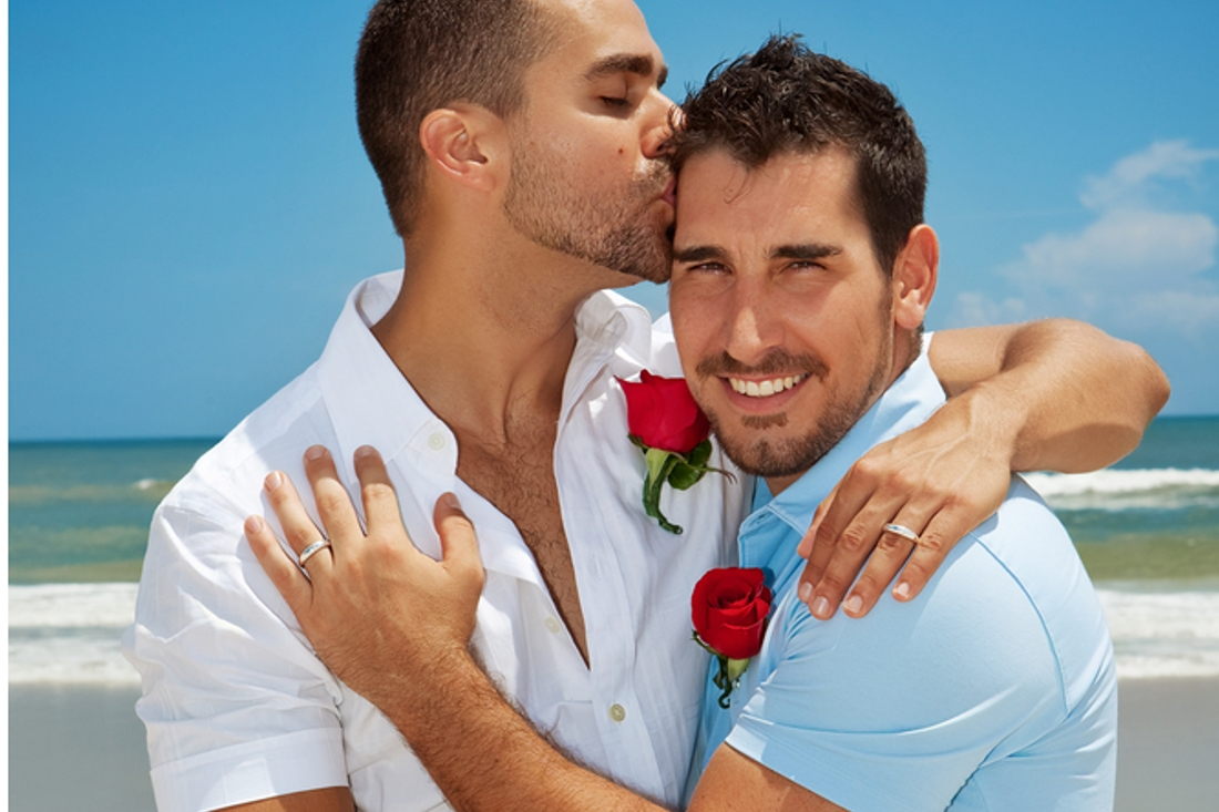 Moves to legalise gay marriage in vermont and iowa signal cultural shift