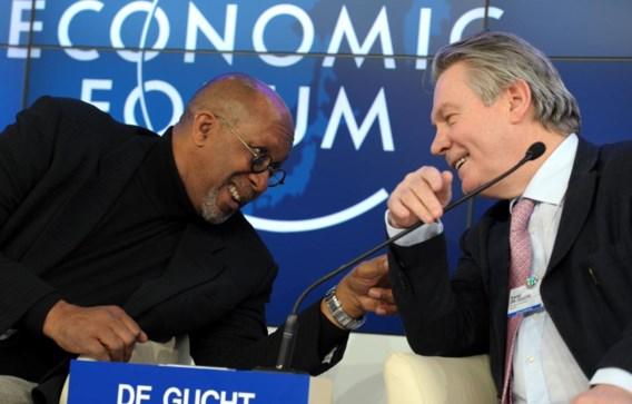 EU-commissaris van Handel Karel De Gucht (r.) in een relaxed moment met zijn Amerikaanse collega Ron Kirk. Foto: Davos 2012.