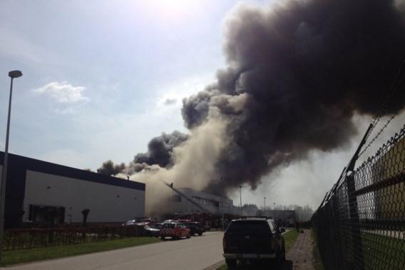 Enorme rookontwikkeling door brand in Kontich