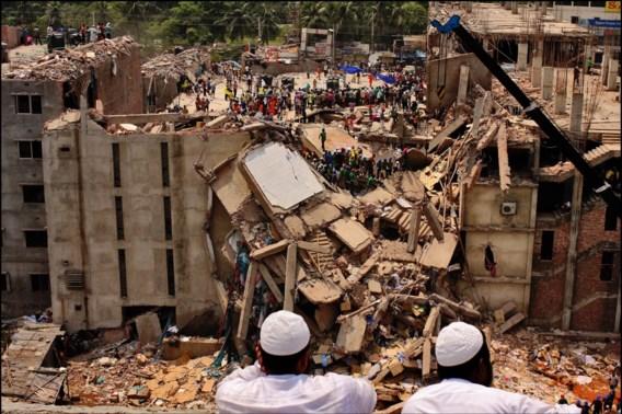 Eigenaars opgepakt na instorting textielfabriek in Bangladesh