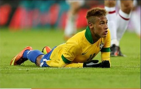 Ronaldo oefent tegen Neymar