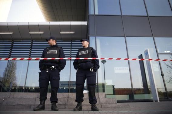 Verdachte dreigementen Leiden opgepakt op Schiphol