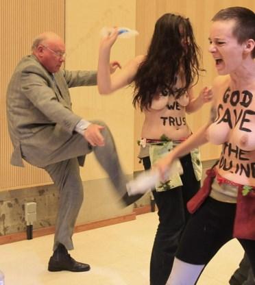 Man die Femen-vrouw schopte, is topambtenaar