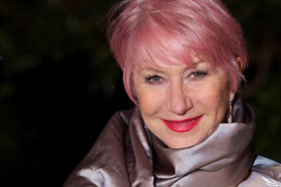"""""""Queen"""" Helen Mirren scheldt luidruchtige straatmuzikanten de huid vol"""