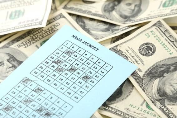 Vrouw wint per ongeluk de lotto