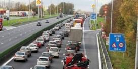 Wathelet wil takelwagens op pechstrook laten rijden