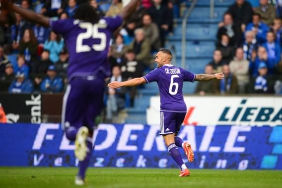 Anderlecht mist penalty, maar staat toch opnieuw aan de leiding