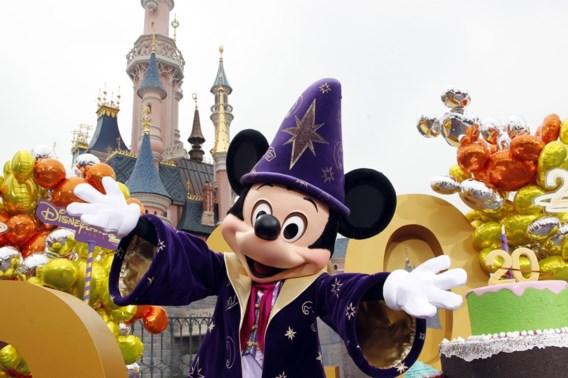 Rijke Amerikanen gebruiken gehandicapten om wachtrijen in Disneyland te vermijden