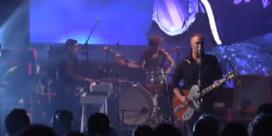 Bekijk Queens Of The Stone Age live bij David Letterman