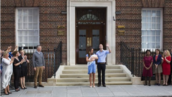 Kate Middleton en Prins William trokken na 24 uur al naar huis met de klein George Alexander Louis.