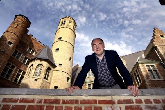 Wim De Temmerman voor het vernieuwde muziekconservatorium.