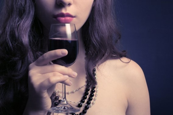 'Drinkgedrag pubermeisjes verhoogt risico op borstkanker'