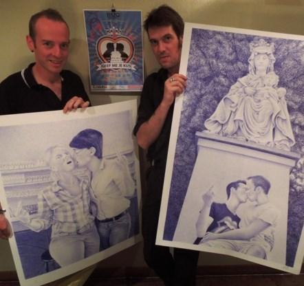 Wim Raes van Tiszo en kunstenaar Gert de Keyser, die de Bic-tekeningen maakte.