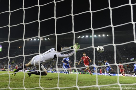 Hattrick Ronaldo, Gudjohnsen helpt IJsland aan gelijkspel