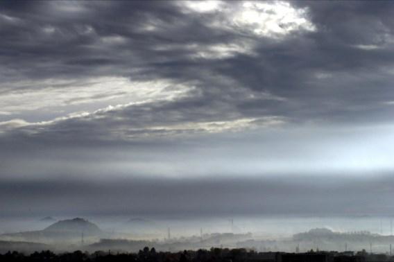 De wolken nemen het over