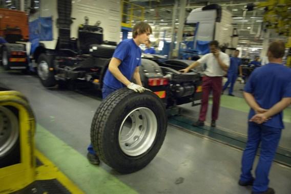 Truckbouwer Volvo wil snijden in de kosten